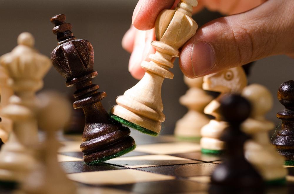 Quelles sont les différences entre tactique et stratégie ?